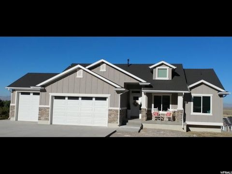 Photo of 1662 S Valley View Dr, Perry, UT 84302