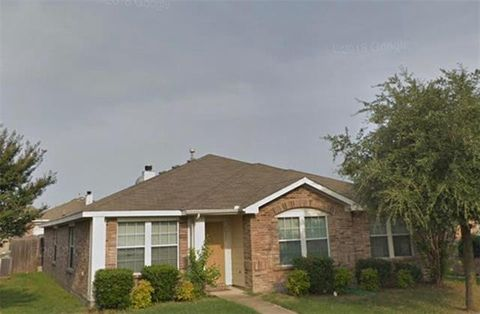 Photo of 2917 Marsh Dr, Lancaster, TX 75134
