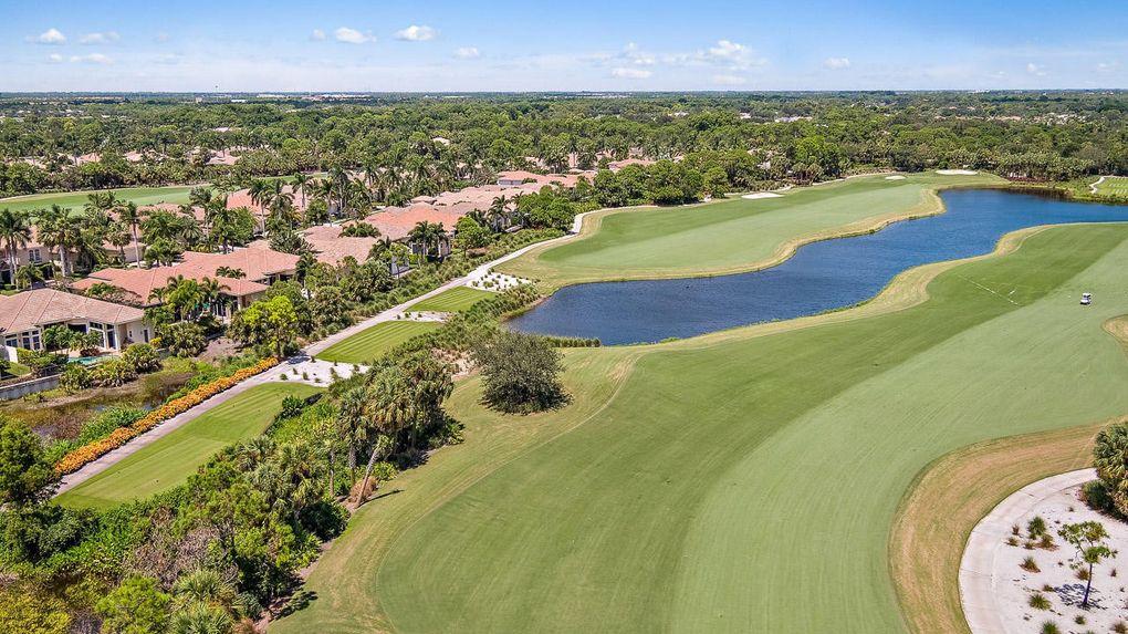 214 Montant Dr, Palm Beach Gardens, FL 33410