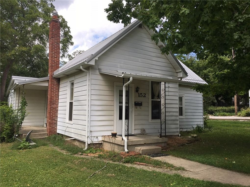 152 s kentucky st danville in 46122. Black Bedroom Furniture Sets. Home Design Ideas