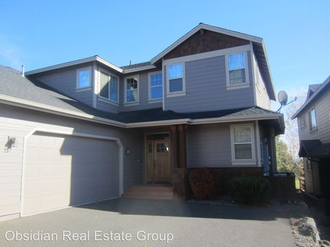 Photo of 8414 Forest Ridge Loop, Redmond, OR 97756