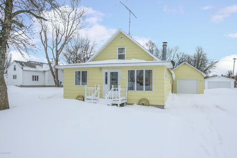 Photo of 608 N 6th St, Campbell, MN 56522