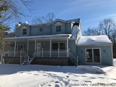 148 Lewis Ln, Wallkill, NY 12589