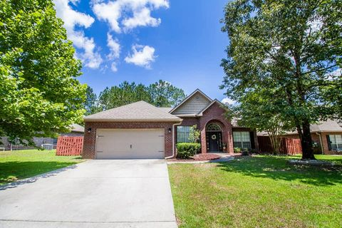 Photo of 104 Crab Apple Ave, Crestview, FL 32536
