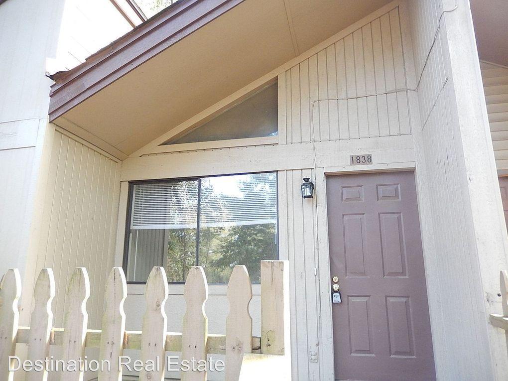 1838 Falconcrest St, Tallahassee, FL 32303