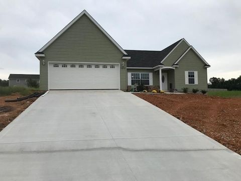Photo of 7879 Platinum Cir, Baxter, TN 38544