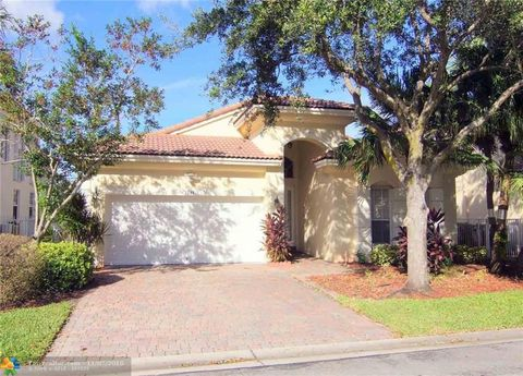 Superbe 7245 Nw 19th Ct, Pembroke Pines, FL 33024