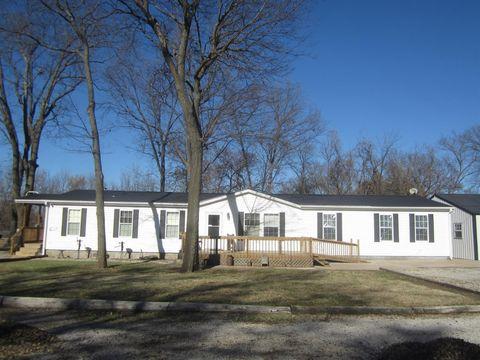 424 E 1st St, Cherryvale, KS 67335