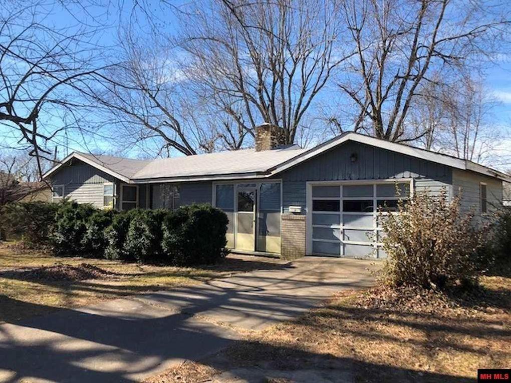 1132 Leonard Dr, Mountain Home, AR 72653