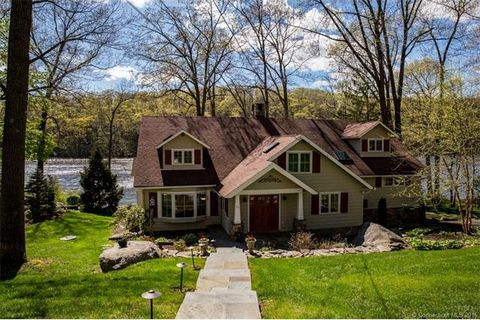 30 Chimney Point Rd, New Milford, CT 06776