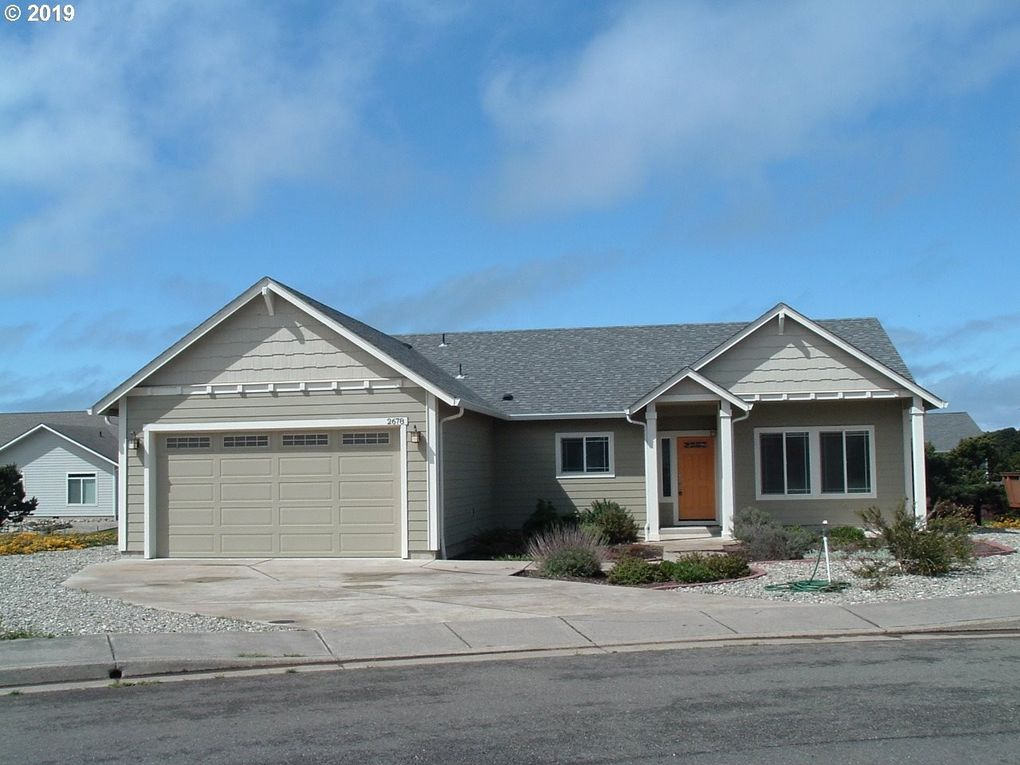 2678 Cedar Loop, Bandon, OR 97411