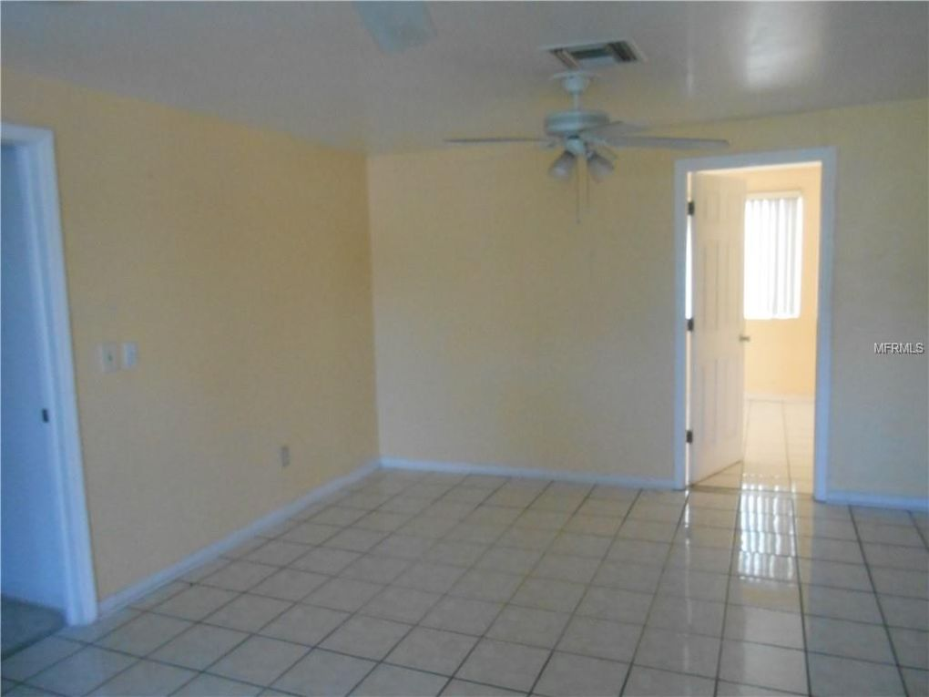 9448 Chase St, Spring Hill, FL 34608