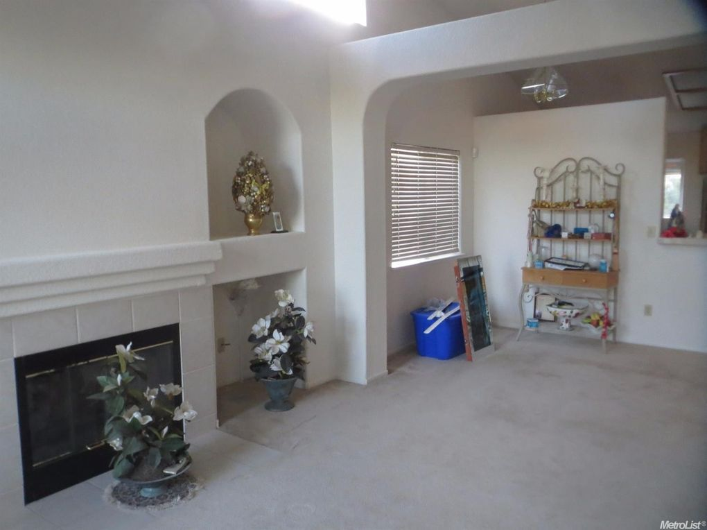 4563 Reflection Ave, Turlock, CA 95382