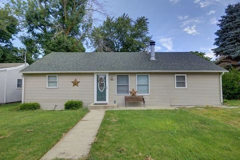 316 W Reynolds St, Tolono, IL 61880