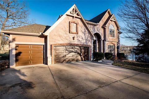 Photo of 14116 W 56th Ct, Shawnee, KS 66216