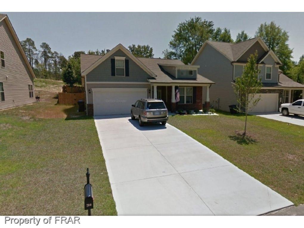 200 River Oak St, Spring Lake, NC 28390