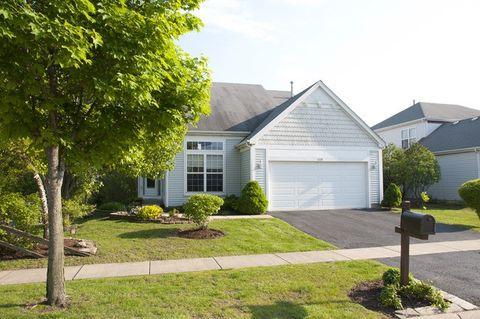 Photo of 628 Rebecca Ln, Bolingbrook, IL 60440