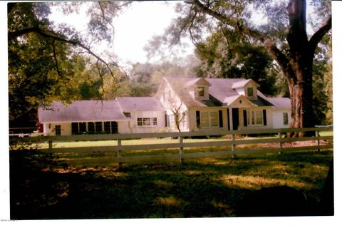 Photo of 698 Old Park Rd, Ville Platte, LA 70586