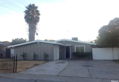 6425 Channing Dr, North Highlands, CA 95660