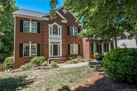 153 Lockerbie Ln, Mooresville, NC 28115