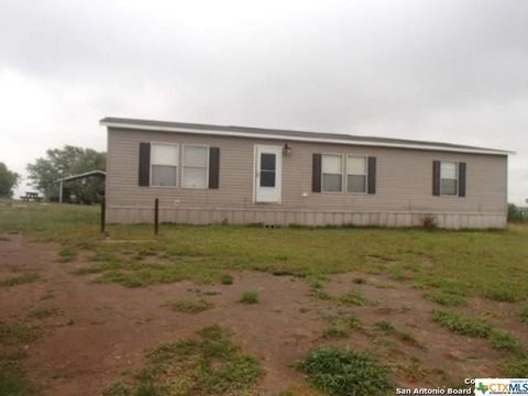 7952 Pvt # 1004, Normanna, TX 78142