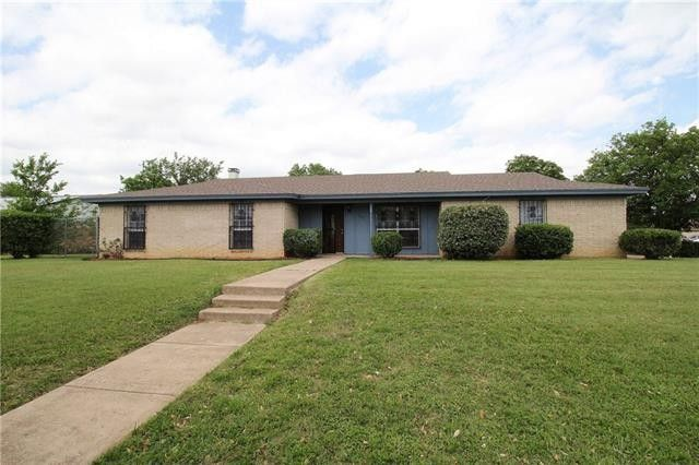 3241 Bunker Hill Dr, Forest Hill, TX 76140