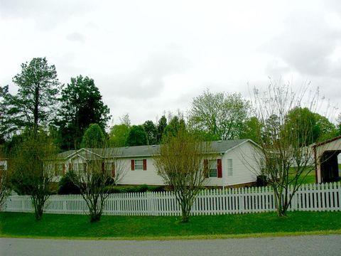 806 Lunenburg Ave, Victoria, VA 23974