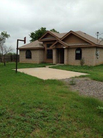 13 Pueblo Nuevo Dr, Eagle Pass, TX 78852