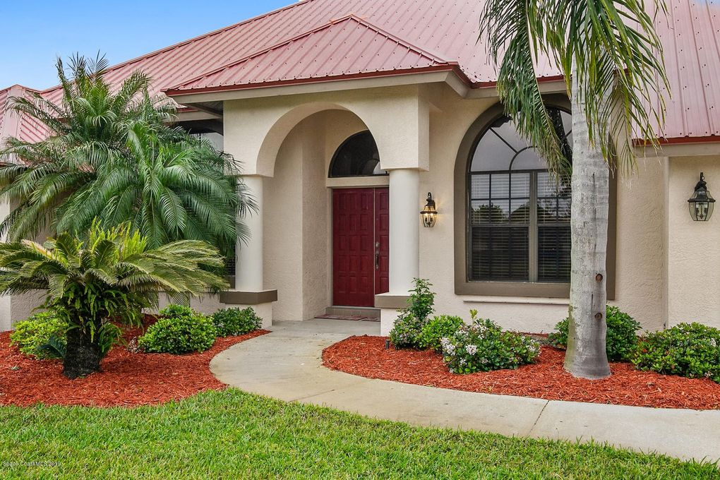 1875 Lakeside Dr, Titusville, FL 32780