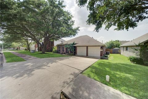 Photo of 813 Indian Run Dr, Pflugerville, TX 78660
