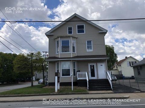 Photo of 696 Park Ave, Cranston, RI 02910