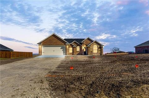 Photo of 1055 County Road 319, Terrell, TX 75161