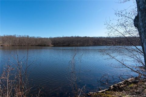 Photo of 360 Lake Shore Dr, Middlebury, CT 06762