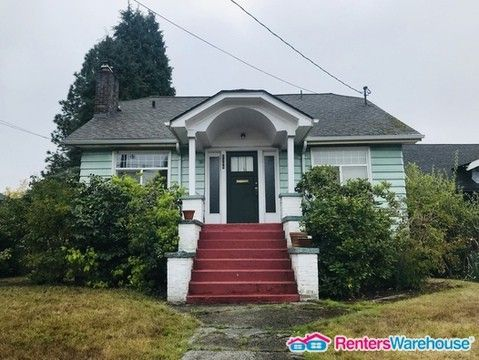 Photo of 8306 13th Ave Nw, Seattle, WA 98117