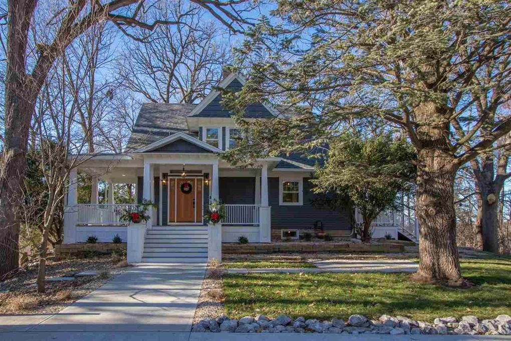 1127 Dill St Iowa City, IA 52246