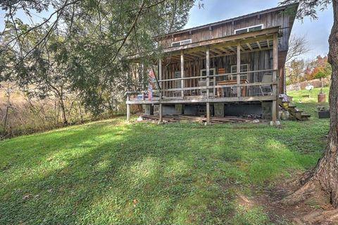 Photo of 205 Helton Hollow Rd, Eidson, TN 37731