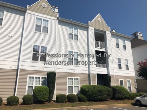 Photo of 18710 Oakhurst Blvd Unit 2 F, Cornelius, NC 28031