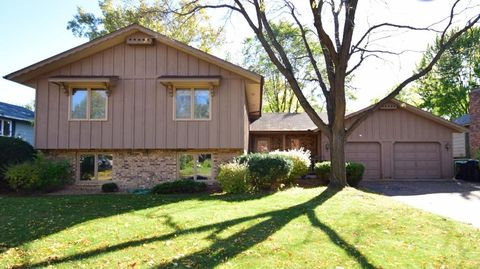 4178 120th Ave Nw, Coon Rapids, MN 55433