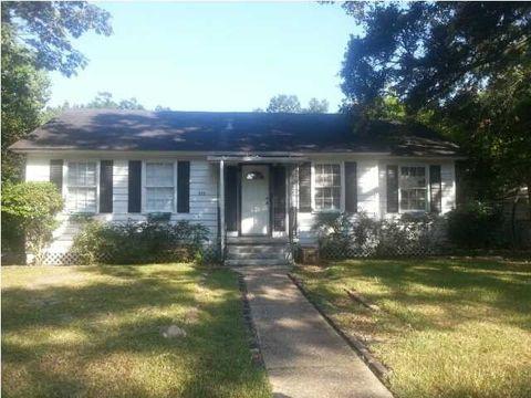 322 2nd St, Chickasaw, AL 36611