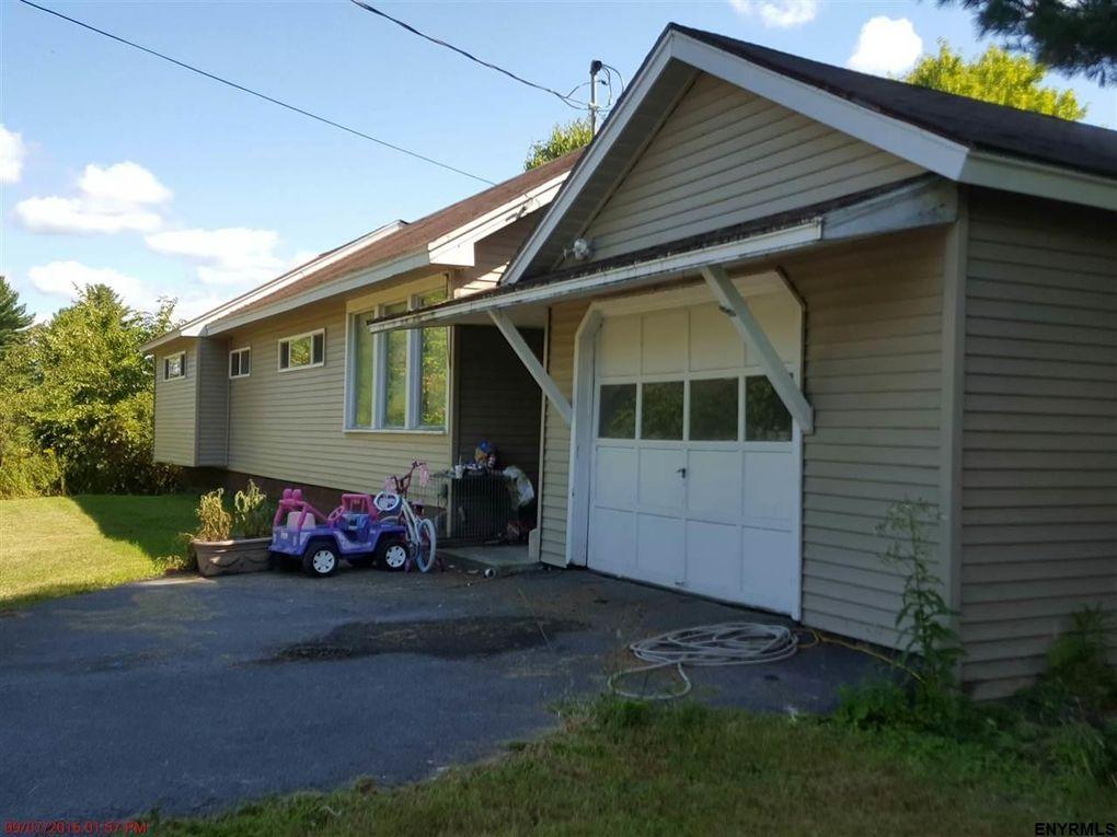 696 Bolt Rd, Glenville, NY 12302