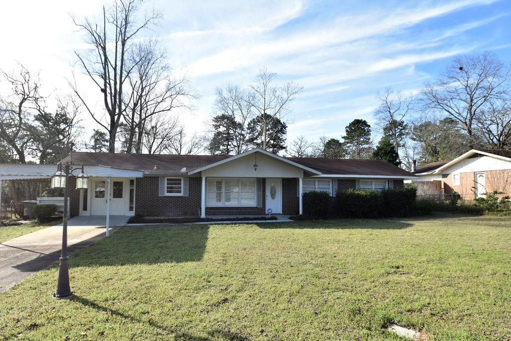 143 Greenwood Ct, Ozark, AL 36360