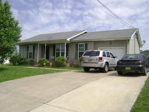 305 Hunter Owens Ct, Oak Grove, KY 42262