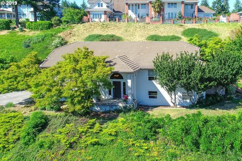 Photo of 13402 Se Silver Cir, Vancouver, WA 98683