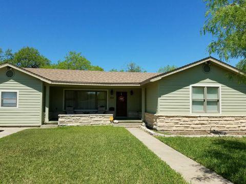 1913 Alta Vista St, Alice, TX 78332