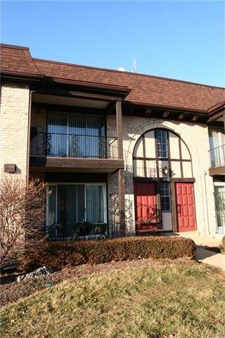 11927 Villa Dorado Dr Apt E Saint Louis, MO 63146