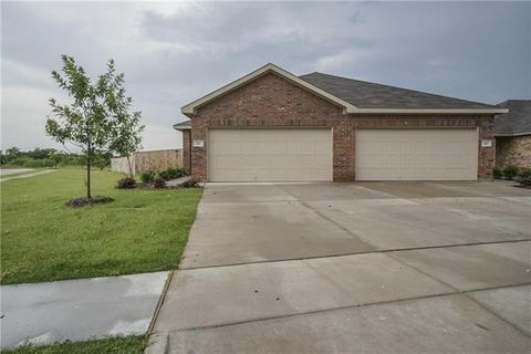 501 Canvas Ct, Crowley, TX 76036