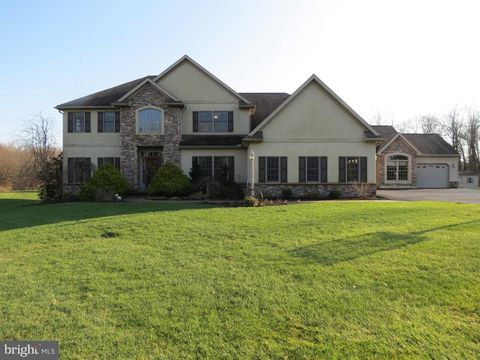Photo of 670 E Canal Rd, Hershey, PA 17033