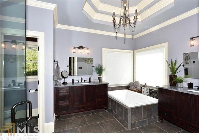 5705 Laurel Oak Dr, Suwanee, GA 30024 - Bathroom
