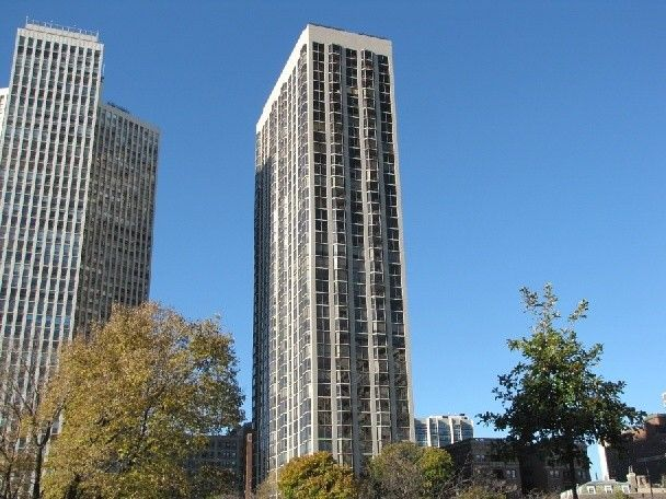 2650 N Lakeview Ave Apt 502, Chicago, IL 60614