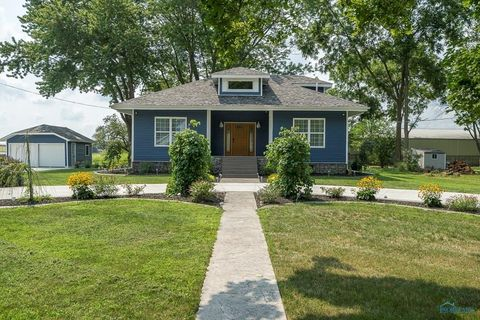 3164 Brown Rd, Oregon, OH 43616
